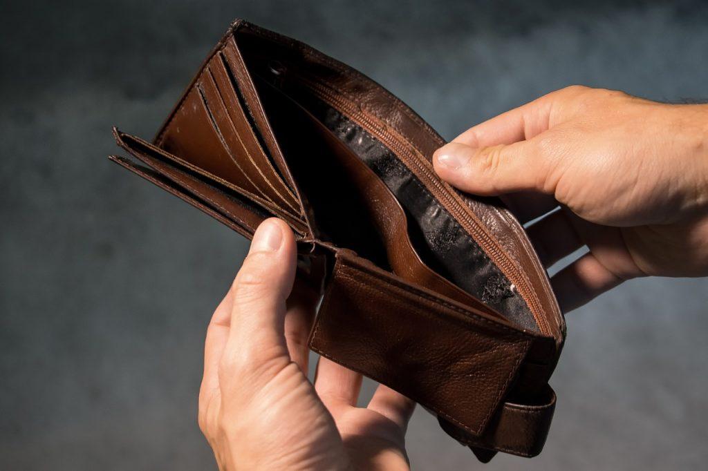 Problemy z płynnością finansową a upadłość konsumencka